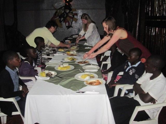 V hotelu v Kampali
