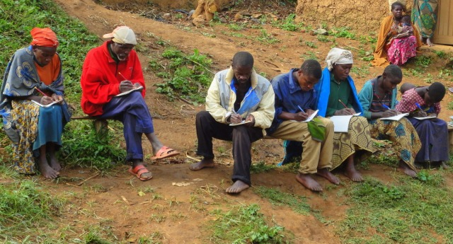 Tečaj funkcionalne pismenosti v skupnosti Makanga